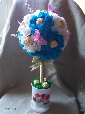 Поступил заказ на конфетное дерево для женщины на День Рождения. Бело-розовое я уже делала, решила сделать бело-голубое. фото 1
