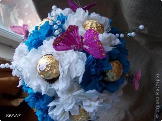 Поступил заказ на конфетное дерево для женщины на День Рождения. Бело-розовое я уже делала, решила сделать бело-голубое. фото 2