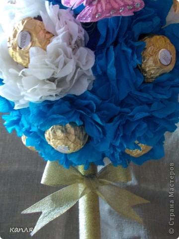 Поступил заказ на конфетное дерево для женщины на День Рождения. Бело-розовое я уже делала, решила сделать бело-голубое. фото 3