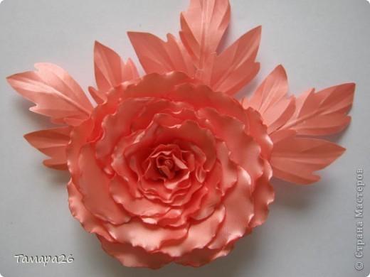 Приветствую жителей прекрасной Страны!! Я сегодня опять с розами, не отпускают они меня, пока это просто цветы, но конечно станут украшением.  МК тут http://forum.say7.info/topic39741-525.html фото 2
