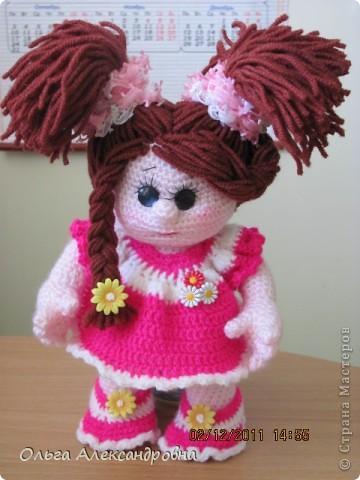 Вот еще одна кукленочка у меня есть. Девочка совсем маленькая, кнопочка. Связана давно, но еще не показывались людям, стеснительная... фото 1