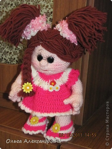 Вот еще одна кукленочка у меня есть. Девочка совсем маленькая, кнопочка. Связана давно, но еще не показывались людям, стеснительная... фото 2