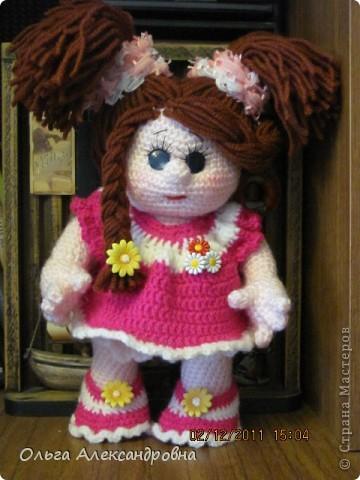 Вот еще одна кукленочка у меня есть. Девочка совсем маленькая, кнопочка. Связана давно, но еще не показывались людям, стеснительная... фото 3