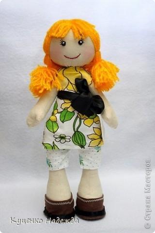 Здравствуйте дорогие мастерицы! Вот и я добралась до пошива этих замечательных кукляшек - большеножек. Только вот большие ножки как-то у меня не получаются...)))) Ручки и ножки подвижны, закреплены шляпной резинкой. Пока все без имён, но это временно. Просто посмотрите на них.... фото 3