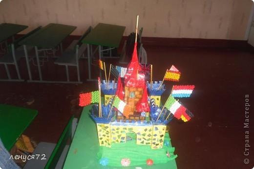 Вот такой замок соорудила моя дочь на городской конкурс и заняла 1 место фото 2
