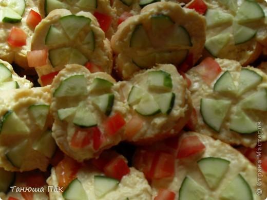 вот такие праздничные бутерброды я приготовила гостям) фото 2