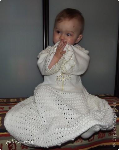 Очень долго искали красивую крестильную рубашечку. Потом решила сама связать, вот что вышло. фото 3