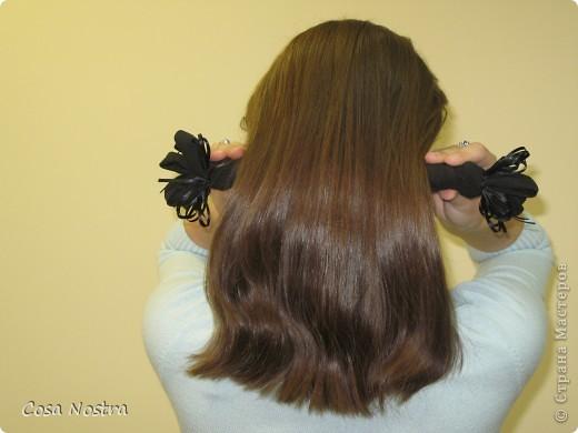 Исходное положение. Все волосы просовываем в прорезь и распределяем их по всей длине заколки. фото 10