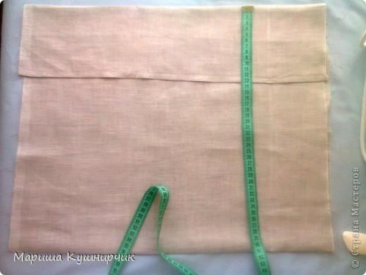 Всем привет!решила рассказать как быстро и при минимальных затратах сделать декоративно-диванную подушку для хорошего настроения размер 40*40 нам понадобится Ткань: лен(наша наволка) и бязь(основа подушки) набивка: холофайбер ароматы: масло лаванды и шалфея морская соль фетр для бабочек  паутинка для крепления их к ткани сантиметр,мыльце или портной мелок(кому как удобно) нитки,машина,оверлок фото 10