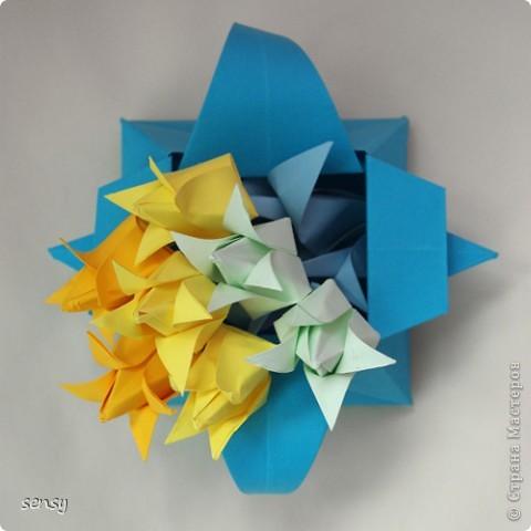 Все на кучу: Электра, пятилепестковые лилии, модули супершара и т.д. Тычинки придумались в ходе работы фото 2