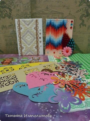 Эту простую серию атсок сделала для того,чтобы показать присланные карточки и подарки Цветочки связала мне хорошая знакомая. фото 18