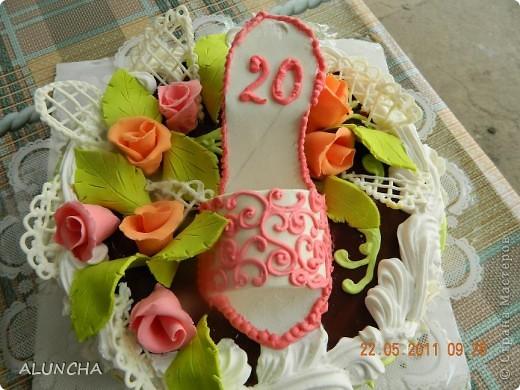 Сделала торт на 20-ти летие девушке... фото 3