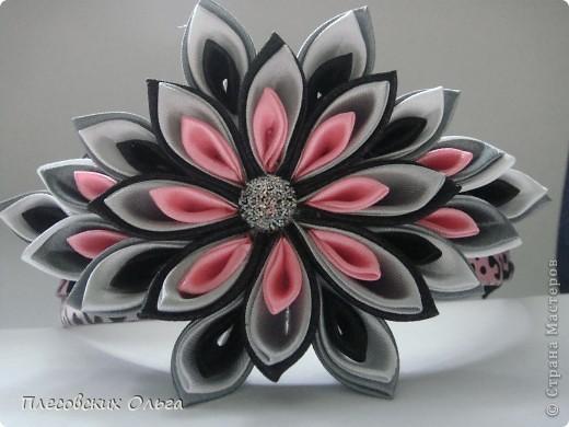 Вот такой ободок получился на этот раз. Люблю сочетание серого и розового... фото 2