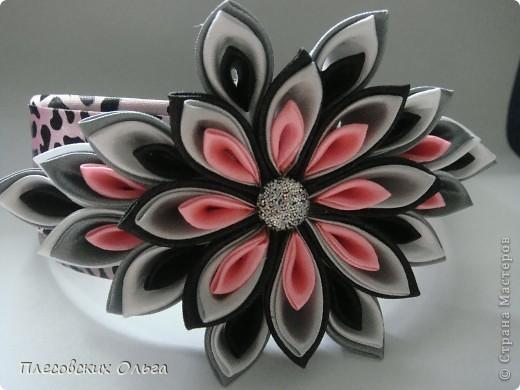 Вот такой ободок получился на этот раз. Люблю сочетание серого и розового... фото 1