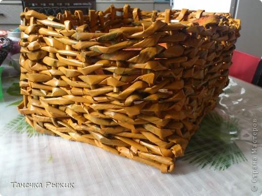Вот в такой корзинке теперь живут мои овощи) Она немного кривовата, но мы с любимым старались) фото 3