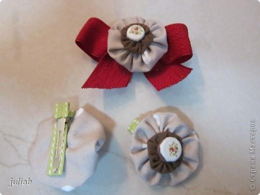 В продолжении предыдущей темы девчачьих радостей,делала в подарок такой набор с вышивкой,смотрится очень изящно. фото 1