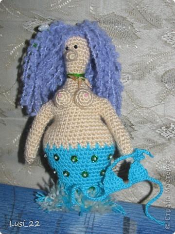 Спасибо большое Жанночке http://yarnsmile.blogspot.com/ за авторское описание этой прелестной морской девицы- русалоньки. Её русалки здесь https://stranamasterov.ru/node/379612 и здесь https://stranamasterov.ru/node/363460 фото 6