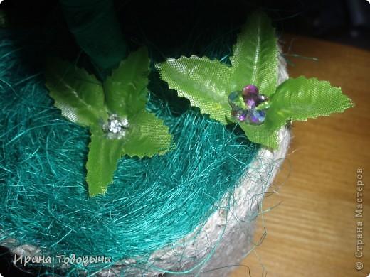 Вот решила подруге на ДР сшить цветочек.Она очень любит комнатные цветы(ну чем не комнатный?))))) ).Пусть стоит и радует ее, и вспоминает меня. фото 4