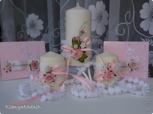 добрый день, рукодельницы-мастерицы)  вот решила попробовать что-то новое для себя и в ансамбль к приглашениям сделала набор свечей для молодоженов. фото 3