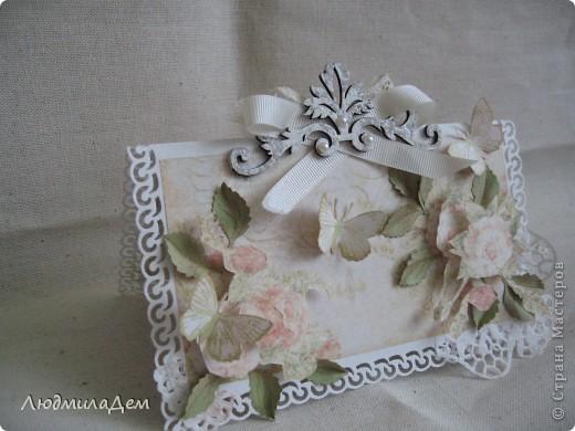 Вот такая открыточка у меня сотворилась к свадьбе. В работе использовала два вида скрапбумаги, бумагу для пастели, кружево, ленты, бусины, объемный контур. фото 7