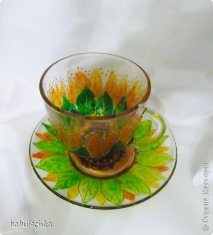 бокалы для чая: декупаж и затем для усиления цвета подсолнуха подкрасила витражными красками и в духовку. фото 2