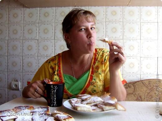 это очень простое и быстрое в исполнении блюдо которым можно себя немножко побаловать. для тех кто постится это идеальный вариант немножко потешить своё чрево)))  ингредиенты: лаваш, яблоко, сахар, раст. масло. фото 14