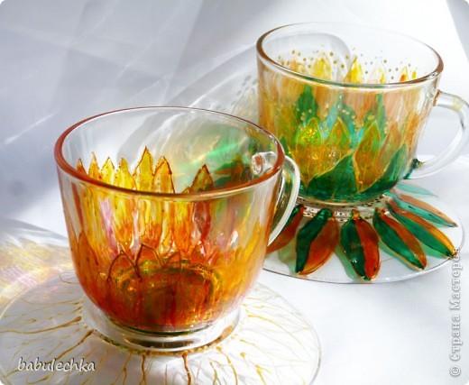 бокалы для чая: декупаж и затем для усиления цвета подсолнуха подкрасила витражными красками и в духовку. фото 6