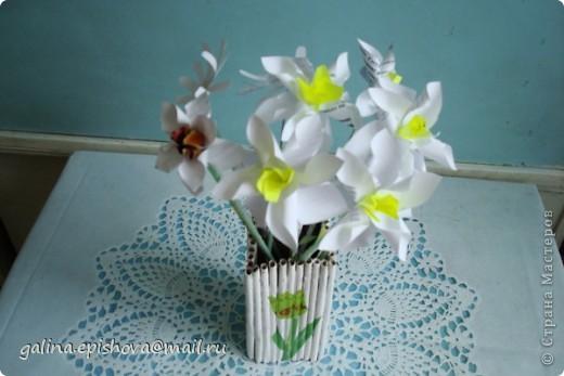 Великолепные весенние цветы,очень нежные, очень красивые, самое главное - одни из первых! А как просто их сделать! Поэтому не удержалась обойти их своим вниманием. Делала их по МК Татьяны Просняковой - Цветок водяного бога. А как похожи на оригинал. фото 4
