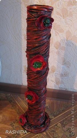 Очень простой способ декорирования колбы(бутылки).Вот такая ваза получается если ее декорировать  капроновыми чулками(колготками). фото 3