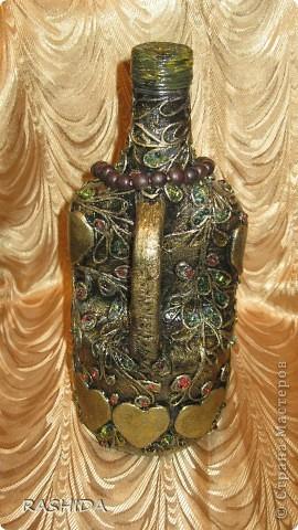 """Эта бутылка декорирована  по МК авторской технике """"Пейп-арт""""Татьяны Сорокиной.В процессе работы получила огромное удовольствие.Очень доступный МК.Спасибо. фото 4"""