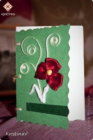 Это открытка для наших друзей. Недавно они отпраздновали свою первую годовщину свадьбы! Бумага для скрапбукинга, атласная ленточка, кружево по низу :) Внутри кусочек ситца! фото 4