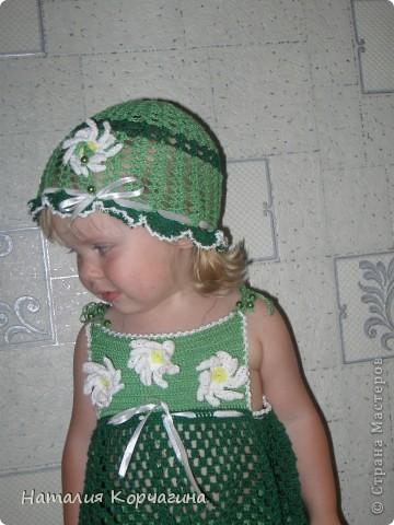 """Наконец-то связала летний комплектик из """"Ириса"""" для дочки..Ушло около 10 моточков ниток-4 светло-зелёных, 5 темно-зелёных, половина белого и чуть-чуть желтого, для серединок цветов фото 2"""