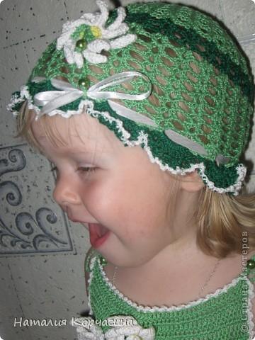 """Наконец-то связала летний комплектик из """"Ириса"""" для дочки..Ушло около 10 моточков ниток-4 светло-зелёных, 5 темно-зелёных, половина белого и чуть-чуть желтого, для серединок цветов фото 3"""