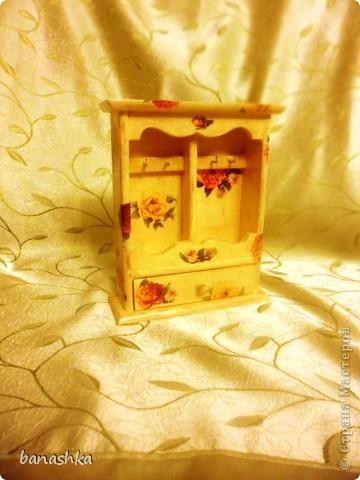 Деревянная заготовка, кракелюрный лак, акриловые краски, салфетки и глянцевый акриловый лак. фото 1