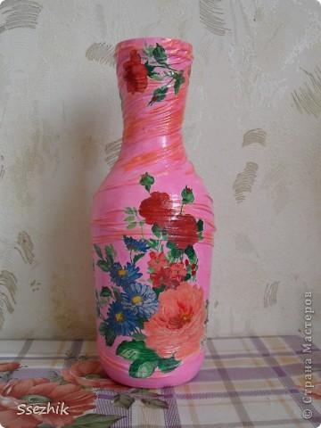 Стояла у меня бутылочка без дела..... И захотелось сделать мне из неё вазочку, а уж что получилось судить вам!  фото 8