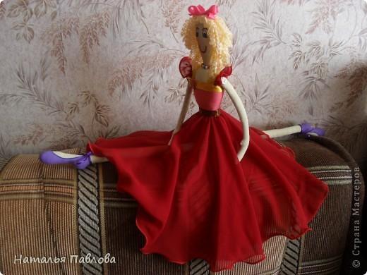 по выкройке Dotty dansers сшила вот таких танцовщиц...Смешные кукляшки получились... фото 5