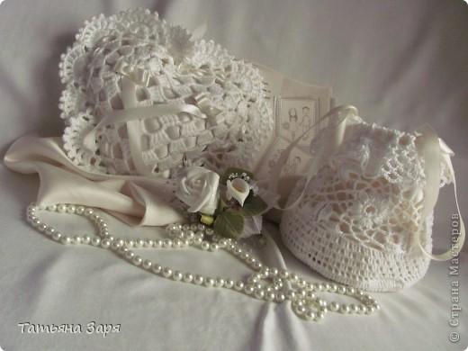 Я к вам опять со свадебным набором. Сердечко-подушка для колец и сумочка для невесты. фото 7