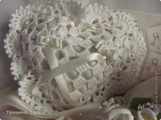 Я к вам опять со свадебным набором. Сердечко-подушка для колец и сумочка для невесты. фото 2