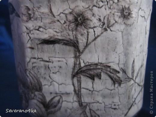 Здесь я тоже решила попробывать клей ПВА,салфетки очень понравились,как тонкой кистью, нарисованы птицы и цветы.Потом при фотографированиия поняла свои недостатки. фото 4