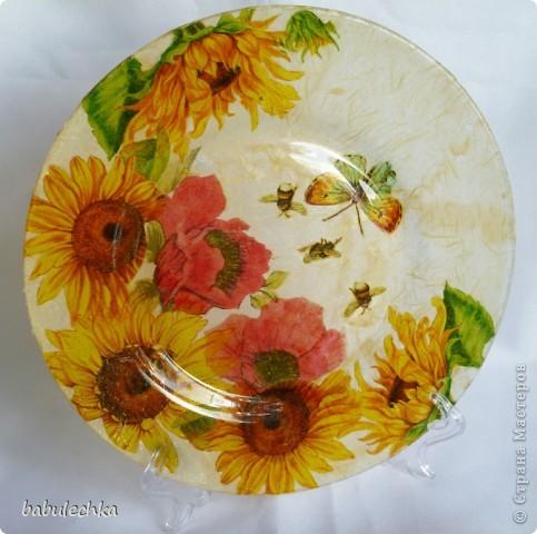 десертная тарелка,их четыре,все разные по  композиции фото 1