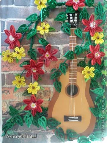 Забытая гитара! Картина сделана в подарок другу-гитаристу. фото 1