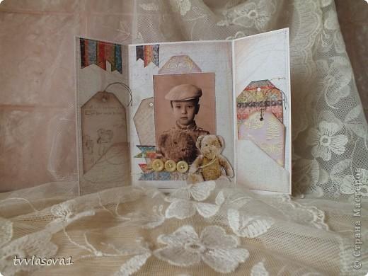 это открыточка про  старшего моего племянника...Сейчас-то он уже взрослый-20 лет...а это память из детства... фото из той же серии,что и предыдущая открытка ...но здесь  моему мальчику 5 лет...и потому дизайн посерьезней! хотя тоже - ничего сложного... фото 1
