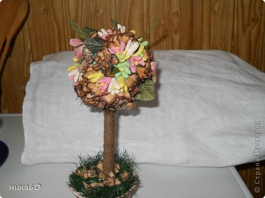 мое ассорти-холодный форфор,готовые листья и мои собственно ручные цветы из веток(на точилке крутила веточки и получались природные цветочки) фото 4