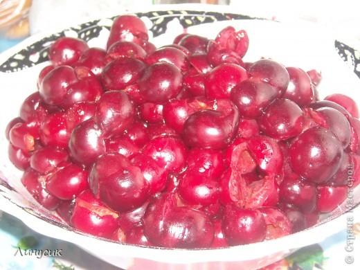Угощаю всех украинскими варениками с вишней! Готовятся очень быстро и легко! А какие вкусные! фото 4