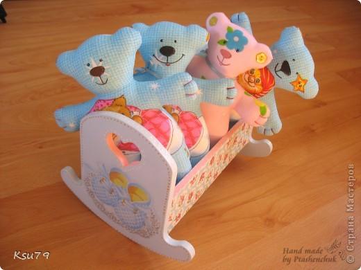 вот такая кроватка получилась из деревянной кроватки))) делала специально для выставок как декорацию фото 6