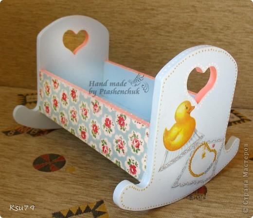 вот такая кроватка получилась из деревянной кроватки))) делала специально для выставок как декорацию фото 2