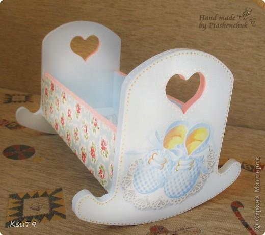 вот такая кроватка получилась из деревянной кроватки))) делала специально для выставок как декорацию фото 3