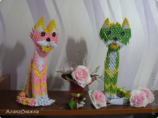 Кошечки в технике модульного оригами. Поделки моей сестры Виктории. Розочки, мамино творенье ))