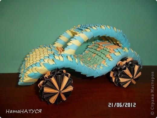 В городской библиотеке. Техники: торцевание и модульное оригами. Здесь представлены мои работы и работы моих учеников.  фото 9