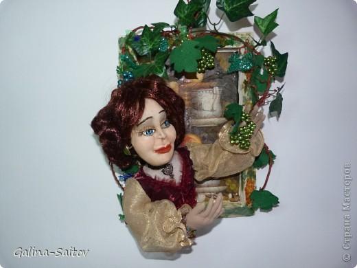 """Эту работу я назвала """" Девушка и виноград"""". Это барельефная кукла, ее я приготовила для выставки в Хайфе фото 1"""
